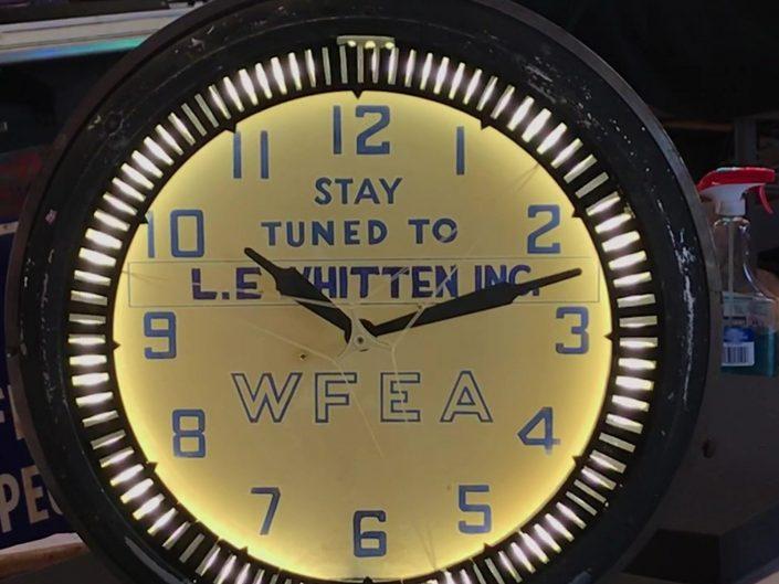 spinner clock